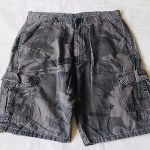 Wrangler Men's Size 34 Camo Cargo Shorts